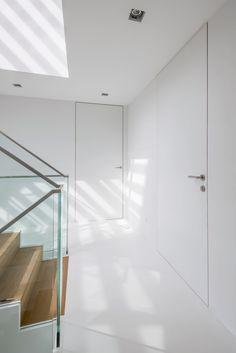 argenta invisidoor, moderne deur onzichtbaar kader – Decotrap House, Living Place, Interior Spaces, Attic Renovation, Doors Interior, Home Decor, Home Deco, Interior Design, Door Inspiration