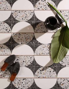 Terrazzo is currently trending throughout the design world. This popular material has however been around for centuries. Reminiscence of terrazzo tile can be found in ancient temples which date all the way back to ancient Egypt and Rome. Floor Patterns, Tile Patterns, Textures Patterns, Terrazzo Flooring, Bathroom Flooring, Floor Design, Tile Design, Tuile, Floor Finishes