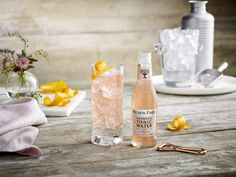 Lightly pink and brightly bitter, Fever-Tree Aromatic Tonic Water hits U. markets just in time for Gin & Tonic season. Tonic Water, Tonic Drink, Gin And Tonic, Cider Cocktails, Whiskey Cocktails, Fun Cocktails, Peach Drinks, Cocktail And Mocktail, Non Alcoholic Drinks