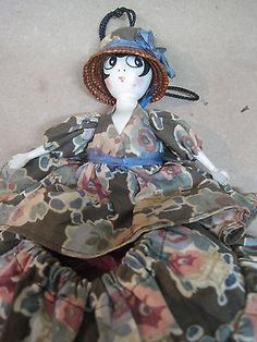 Vintage-Doll-1922-Dollybag-Sewing-Bag-All-Original-Spool-Wood-Head-Arms