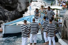 Video from Dolce & Gabbana 7/11/14 show available from this link.