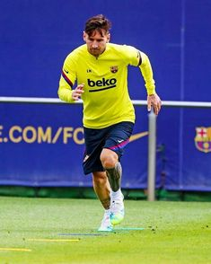 Messi 10, Lionel Messi, History Of Soccer, Best Luxury Cars, Fc Barcelona, Kicks, Sporty, Football, Running