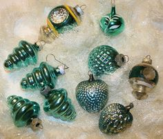 Turquoise Shiny Brite Mercury Glass Ornament Gift Set Mercury Glass Ornaments are my favorite vintage Christmas decorations. Antique Christmas Ornaments, Old Fashioned Christmas, Christmas Past, Vintage Ornaments, Retro Christmas, Christmas Items, Vintage Holiday, Christmas Bulbs, Glass Ornaments