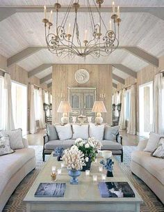 Love this beautiful blue and white living room!!! Bebe'!!! Lovely blue and white!!!