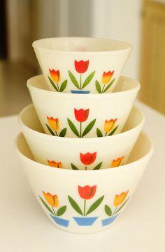 Vintage Fire King Splash Proof Tulip Bowls set of 4