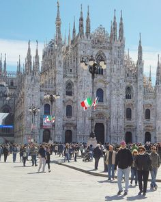 Italia-nity  ----------------------------------------------------------------------------- #igersmilano #instaitalia #direzioneitalia #gotourism #whatitalyis #igersitalia #ig_italia_ #milanocity #milano #tv_living #art_chitecture_ #lovemilan #vivomilano #spring4igers #ig_milano #browsingitaly #neverstopexploring #ig_europe #italianplaces #welltravelled #milanoforever #top_italia_photo #urbanlandscape #volgomilano #italiainunoscatto #mymilano #milanodavedere #beatifuldestinations #seetoshare…