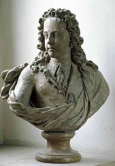 Antoine COYSEVOX Lyon, 1640 - Paris, 1720 Louis XV à l'âge de neuf ans Daté de 1719 Terre cuite H. : 0,49 m. ; L. : 0,50 m. ; Pr. : 0,18 m. Modèle d'un buste en marbre conservé au musée national du château de Versailles.