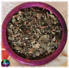 Le plaisir du patchouli séché sous une forme pratique. Idéal pour les pots pourris, les savons, les sels de bains, les bougies, les créations artisanales, les orgonites ou encore vos offrandes rituelles.