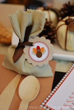 Turkey Favor Bags for the Kid's Table