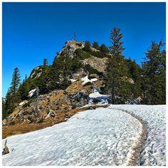 The only way is up ⬆️☀️ . #fetzblau #mountains #wanderlust  #upperaustria #mountainview #salzkammergut #naturelovers #spring #mountainscape #nature_brilliance #gipfelkreuz #visitaustria #bergsteigen #police_landscapes #ig_captures_nature #goplayoutside #igersaustria #loves_mountains #weroamaustria #hiking #bluesky #alpenvereinaustria Visit Austria, Mountain View, Iceland, Police, Landscapes, Wanderlust, Hiking, Layout, Water
