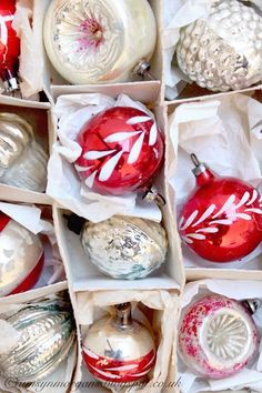 Vintage ornaments, vintage Christmas, red and white Decoration Christmas, Vintage Christmas Ornaments, Retro Christmas, Christmas Tree Ornaments, Glass Ornaments, Antique Christmas, White Ornaments, Christmas Villages, Primitive Christmas