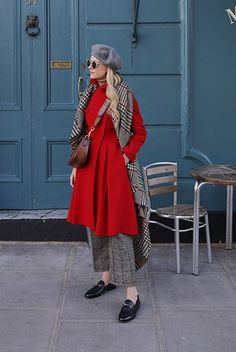 9.17 fall coat week // the bright coat (Urban Outfitters felt beret in gray + Carolina Herrera red coat + ASOS oversized tweed scarf + Everlane turtleneck sweater in camel + Marc Jacobs plaid tweed crop pants + Gucci 'brixton' convertible loafers + Gucci 'lady web' shoulder bag)
