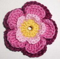 Háčkovaná čepička   Mimibazar.cz Crochet Motif, Crochet Flowers, Crochet Hats, Natural, My Girl, Diy And Crafts, Beanie, Appliques, Step By Step