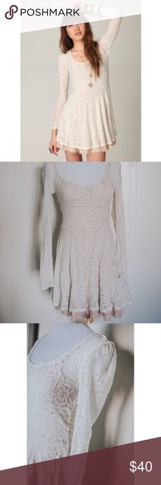 Free People Victorian Loves Lace Dress Ivory Romantic, lace, and so feminine with vintage flair! Floral lace dress with scooped neckline. Tulle detailing at the hemline. Fully lined. This dress is NWOT and in pristine condition! Authentic Free People and perfect for fall! Free People Dresses