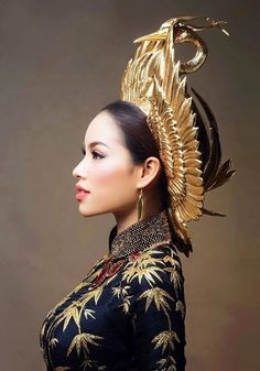 The Phoenix of the Season. Pham Huong from Vietnam