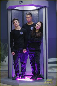 Leo Leaves The Bionic Island On 'Lab Rats' Tonight - See A Sneak ...