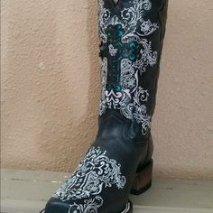 Dusty Rocker Boots Western boots black leather with turquoise leather inserts NIB Dusty Rocker Shoes Heeled Boots