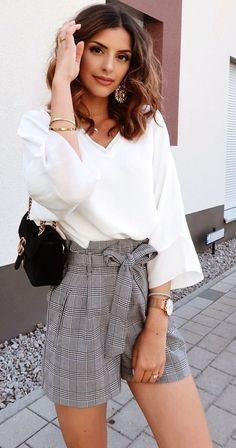 Idee vestito ·  summer  outfits white long-sleeved blouse. Abiti Estate  Casual 090882d60be