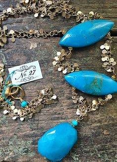 Big chunks of Howlite with a cool fringy chain Upcycled Vintage, Stones And Crystals, Handcrafted Jewelry, Bridal Jewelry, Turquoise Bracelet, Vintage Jewelry, Jewelry Making, Pearls, Chain