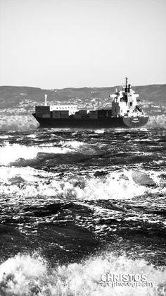 Πλοιο στη φουρτουνιασμένη θάλασσα!!!  Εκτύπωση σε καμβα, χαρτί, μουσαμά σε οποιοδήποτε μέγεθος