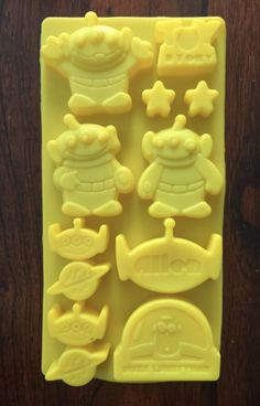 DISNEY TOY STORY BUZZ LIGHTYEAR PARTY SILICONE ICE TRAY CANDY CHOCOLATE MOLD