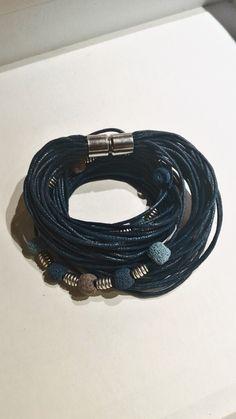 Mėlyna, su lavos akmenukais. Magnetinis užsegima. 15-16cm riešui. #rankudarbo #platus #mėlyna #apyranke #love #fashion