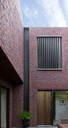 557ed4f6e58ecee980000008_mcilwrick-residences-b-e-architecture_06.jpg (2000×3752)