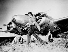 Amelia Earhart & Lockheed Electra L-10
