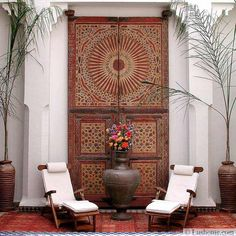 The fusion of Mediterranean decorating ideas and Moroccan style is an exiting and creative way to design unique outdoor rooms.