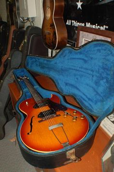 Today, Lawman Guitars is Presenting..  A fantastic 1965 Gibson ES 125 DC with original vintage correct Hardshell Case..  You are probably more used to seeing ES 125 with a TDC designation. The T stands for thinline. You will also notice this one is not a thinline. It's a full width body! www.lawmanguitars.com