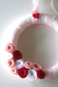pastel pink Christmas cotton garland, pastel pink, white   #Christmas #Door #wreath www.loveitsomuch.com