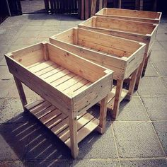 Best Plans For Pallet Storage Boxes And Built Containers Sensod Create. Easy to build pallet containers The post Best Plans For Pallet Storage Boxes And Built Containers Sensod Create. appeared first on Pallet Ideas. Pallet Planter Box, Pallet Boxes, Pallet Storage, Storage Boxes, Garden Pallet, Pallet Patio, Raised Planter Boxes, Pallet Gardening, Diy Patio