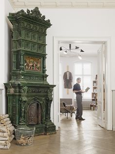 ©Achim Hatzius - commissioned work Home Fireplace, Fireplace Design, Fireplace Mantels, Fireplaces, Gothic Furniture, Art Furniture, Swedish Cottage, Old Stove, Vintage Stoves