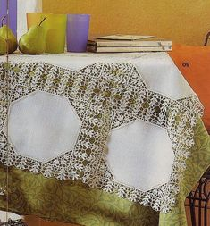 Daha fazla bilgi için gönderiyi ziyaret edin. Crochet Tablecloth Pattern, Crochet Doilies, Crochet Patterns, Crochet Projects, Sewing Projects, Romanian Lace, Crochet Cardigan, Crochet Home, Table Covers