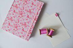 Cuaderno y carreteles de la abuela