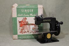 c1930s Childs SINGER Sewing Machine No. 20 and Original Box