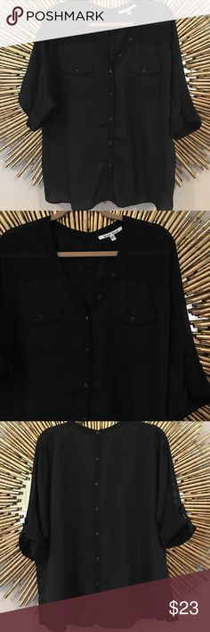 Black Blouse from Francesca's This top is great for work, in perfect condition Francesca's Collections Tops Blouses