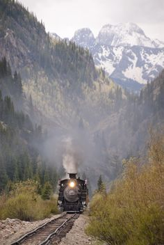 Durango Train #Colorado. Need to see if they have a polar express ride!!!