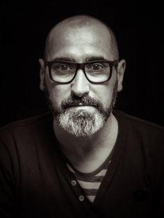 Joe hat eine unglaublich gut aussehende Farbkombination in seinem Vollbart. Sieht wirklich top aus. :-{) Danke für dein Foto.
