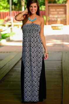 If black and white wasn't perfect enough! This maxi is fearless with the diamond pattern with the sheer panels on the side! This maxi is comfy and so chic!