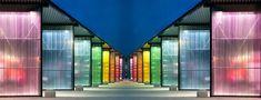 Estación de bomberos holandesa mostrando la gran variedad de colores de la gama Rodeca. Amazing Architecture, Architecture Design, Ceiling Finishes, Mall Design, Paris France, Pergola, Highlights, Curtains, Home Decor