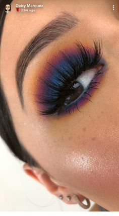 Makeup goals info are readily available on our site. Have a look and you wont be sorry you did. Cute Eye Makeup, Makeup Eye Looks, Makeup Is Life, Makeup Goals, Pretty Makeup, Skin Makeup, Eyeshadow Makeup, Blue Eyeshadow Looks, Eye Makeup For Halloween
