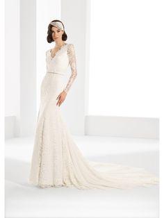 Vestido de novia Pepe Botella colección La Fleur 2017 Modelo Brigitte by Lucia Botella. #vestidodenovia #novia #bodas2017 #moda #bridalfashion #weddingdress #bridalinspiration