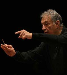 La Messa di Requiem diretta da Zubin Mehta al Comunale di Firenze.  Il 16 maggio un concerto celebrativo per gli 80 anni dalla fondazione del Coro del Maggio Musicale Fiorentino