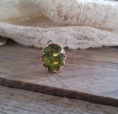 Antique Victorian 10k Gold & Peridot Ring Size by bettyrayvintage
