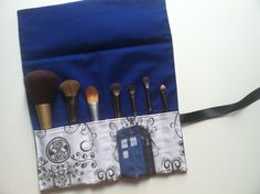 I'm such a geek! Who Tardis make up brush roll by HauteMessThreads on Etsy, Makeup Brush Roll, Doctor Who Tardis, Don't Blink, Makeup Brushes, Paint Brushes, Sewing Class, Dr Who, Geek Chic, Nerdy