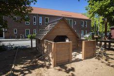 Domek z werandą Nature. #larslaj #scandinavian #scandi #camping #kemping #placzabaw #playground #domek #weranda Camping Club, Larp, Shed, Outdoor Structures, Barns, Sheds