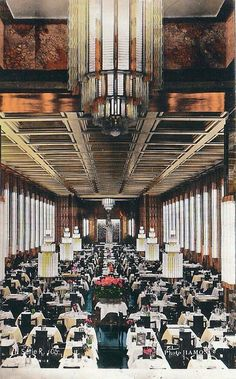 SS Normandie ocean liner, First Class dining room, Normandie was the most magnificent liner ever built! Southampton, Ss Normandie, Enchantment Of The Seas, Art Nouveau, Yacht Interior, Nautical Interior, Interior Design, Streamline Moderne, Caribbean Cruise
