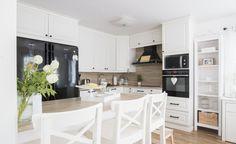 Älvsbytalo, Suometar-talon keittiö (2h+k+s, 81,5 m²+yläkerta 38 m²). Keittiö toteutettu asiakkaan toimesta.