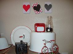 Love EVERYTHING about this...the bicycle, the hearts, the camera!